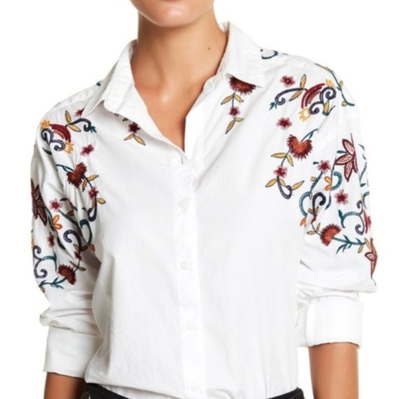 beachlunchlounge Tops - 3/$20 BeachLunchLounge Embroidered Button Down